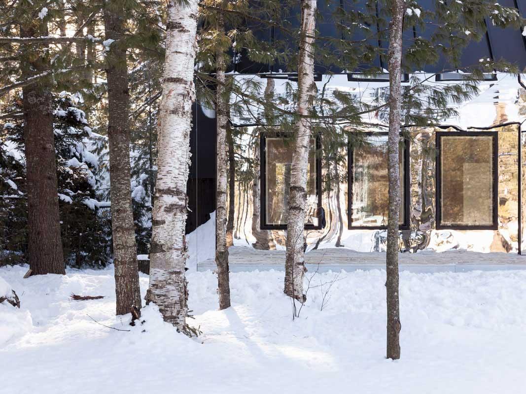 Lake Cottage Works Uufie